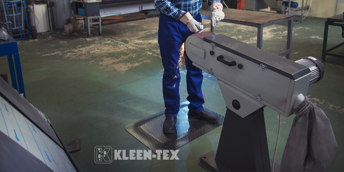 Kleen-Comfort Standard in front of machine